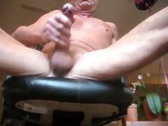 older dad cumming hot