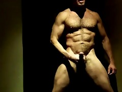 some other muscle dad jacking it!