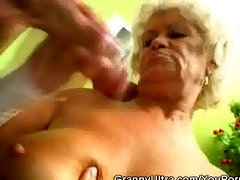 penis sucking granny receive her pussy licked