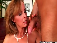 aged lady with hot body receives fucked on the