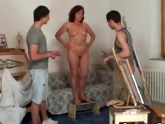 old whore is banged by juvenile painters