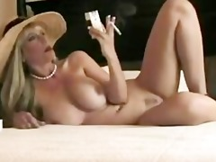 blond smoking d like to fuck wants fucked