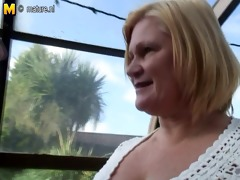 blond daughter bonks large lesbian granny