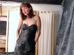kinky brunette hair mother i undresses off