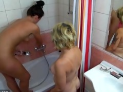 tenn brunette hair angel with blonde stepmom