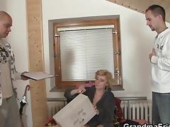 older slut takes rods