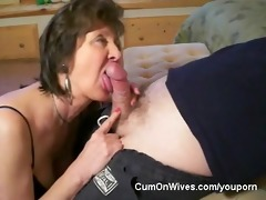 mature mommy gives great head