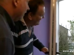 2 old guys shave a young pussy
