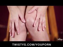 big-tit milf julia ann finger-fucks her wet puss