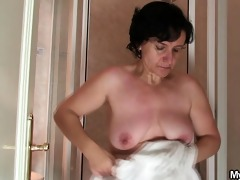 old bag jumps at her son-in-law\s cock