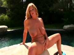 mature chicks bonks young guy