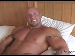 muscle dad jerk off on bed