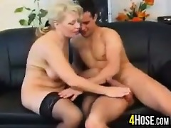 hungry older woman wants to fuck